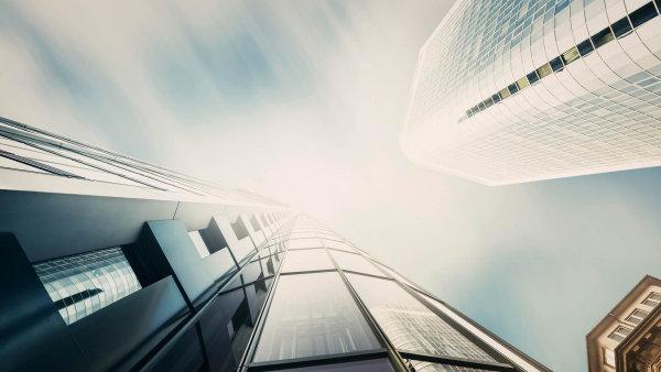 Výhledově se Arcona Capital hodlá zapojit i do dalších aktivit na českém trhu. Zvažuje také vstup do Asociace kapitálových trhů, kde se chce podílet na tvorbě regulace obchodů s cennými papíry.