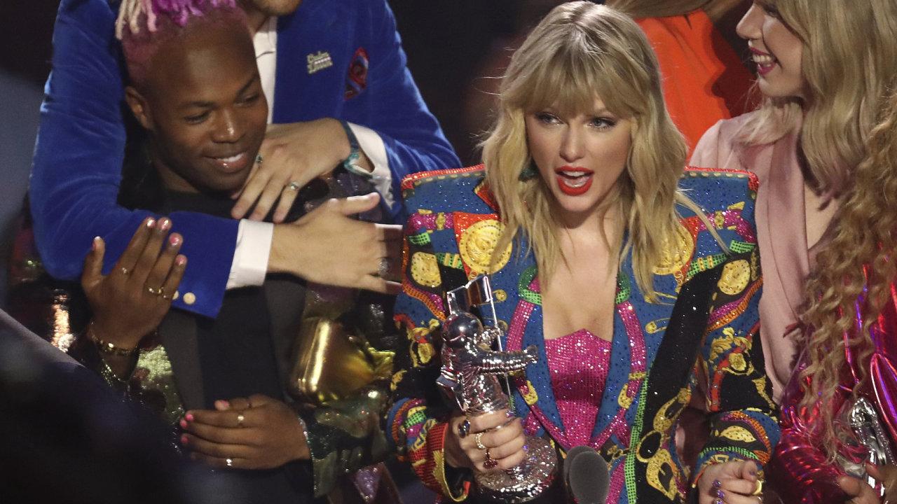 Zpěvačka Taylor Swiftová vyhrála cenu MTV za nejlepší klip roku 2019