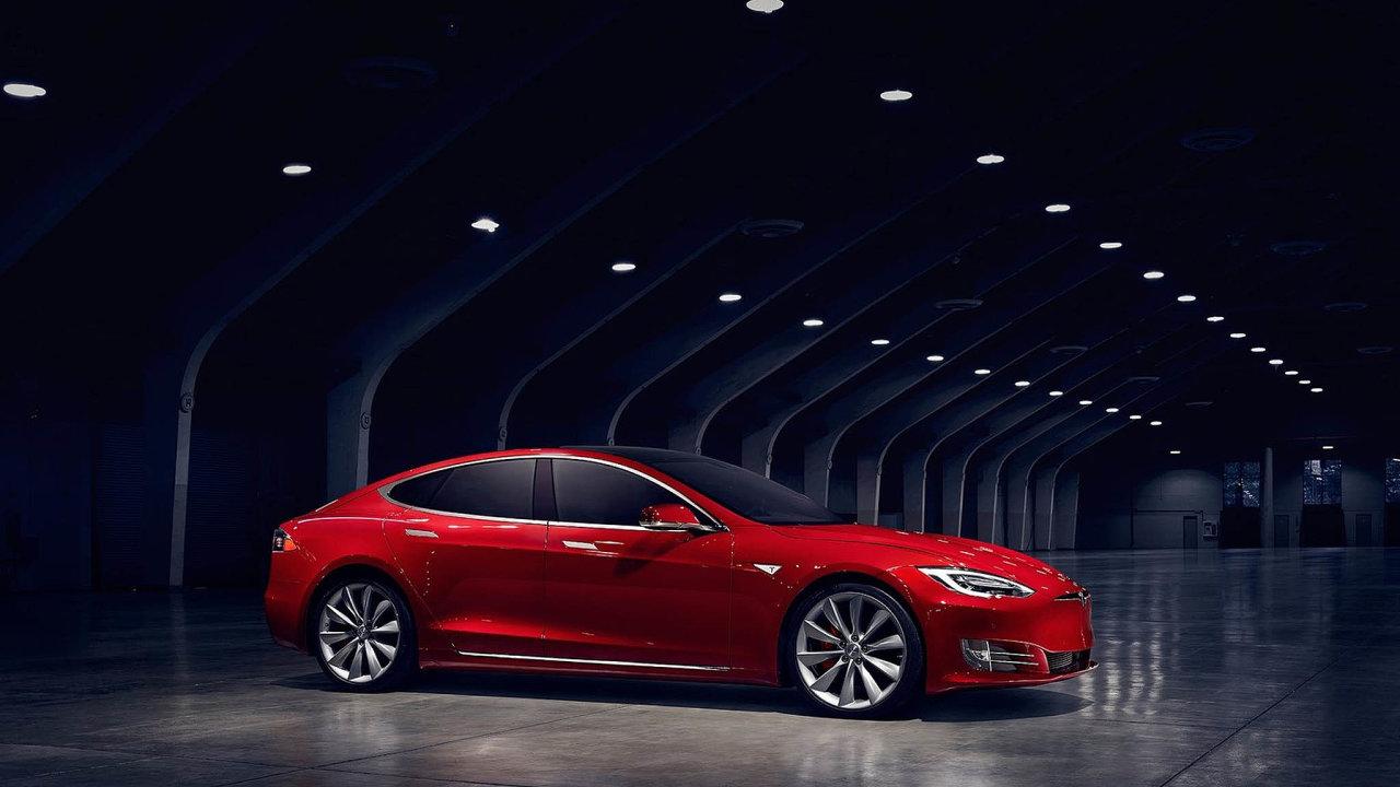 Americká Tesla patři mezi přední světové výrobce elektromobilů. Na snímku je Tesla Model S.