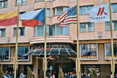 Realitní tým kanceláře bpv Braun Partners měl nastarosti celkové právní poradenství při rozšiřování arekonstrukci hotelu Marriott Praha