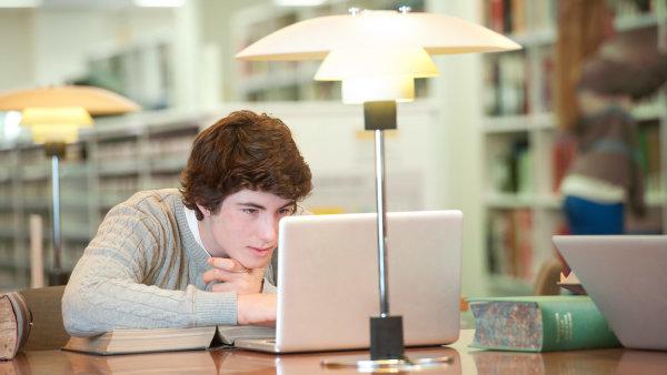 Kurzy v aplikaci openSAP, program SAP Young Thinkers a vzdělávací balíčky jsou nyní zdarma, ilustrační foto