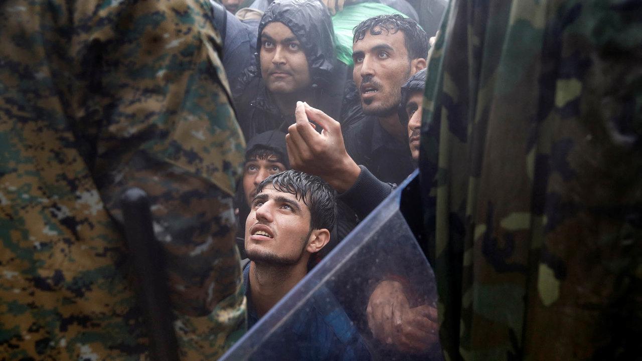Kvóty nám nikdy nepřikazovaly přijmout nějaké množství uprchlíků. Jediná povinnost, která znich vyplývala, byla nabízet převzetí běženců aposuzovat jejich žádost oazyl.