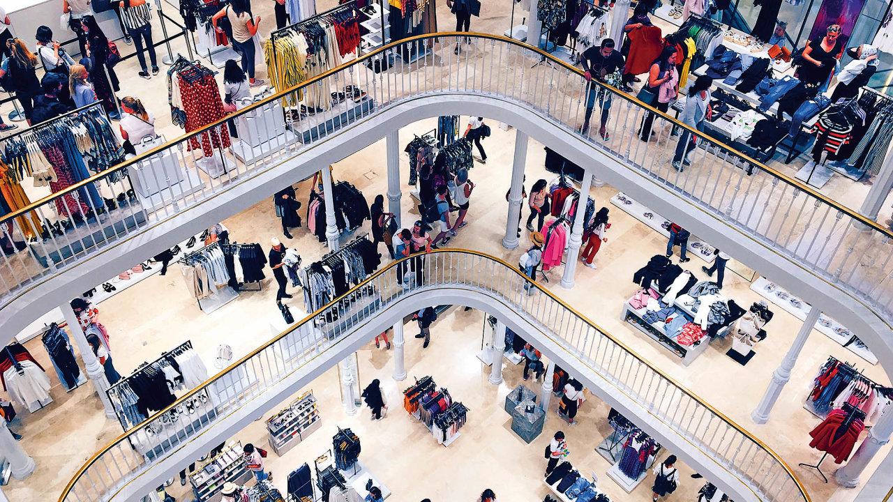 Jen samotná Zara má více než dva tisíce poboček vdesítkách států světa.