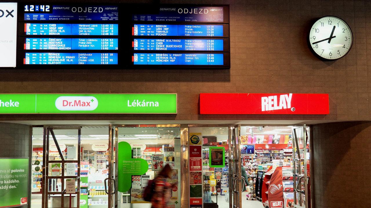 Lagardere Travel Retail provozuje většinu obchodů arestaurací napražském hlavním nádraží.