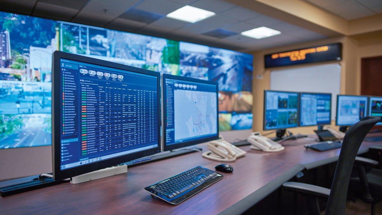 Systémy nařízení dopravy podle aktuálních dat zmnoha zdrojů se vyvíjí ivBrně.
