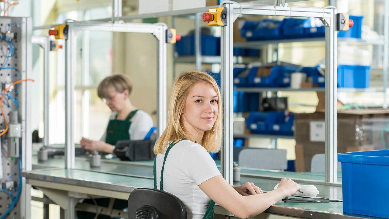 Zanalýzy Československé obchodní banky snázvem Index očekávání firem vyplývá, že vletošním posledním čtvrtletí pozoruje pokles poptávky až 65 procent podnikatelů.
