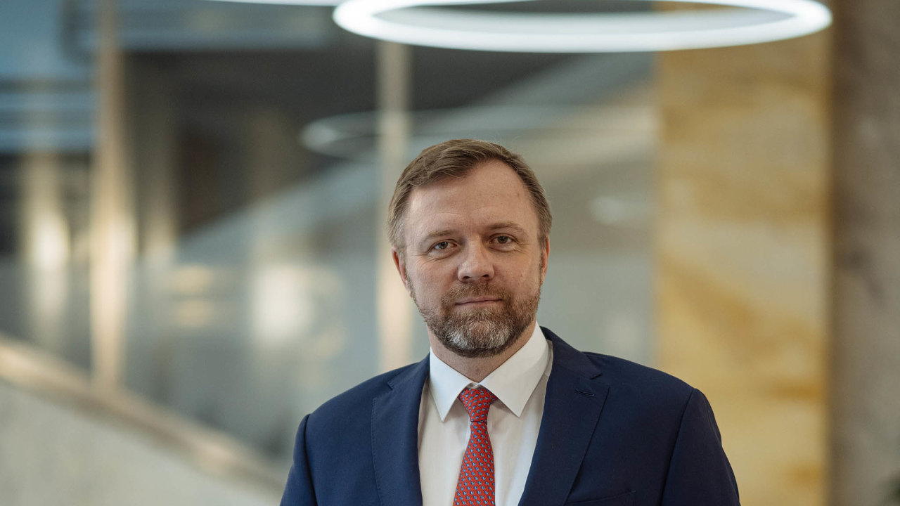 Směr udržitelnost. Banky se musí vydat směrem k ekologickým produktům, říká generální ředitel Komerční banky Jan Juchelka.