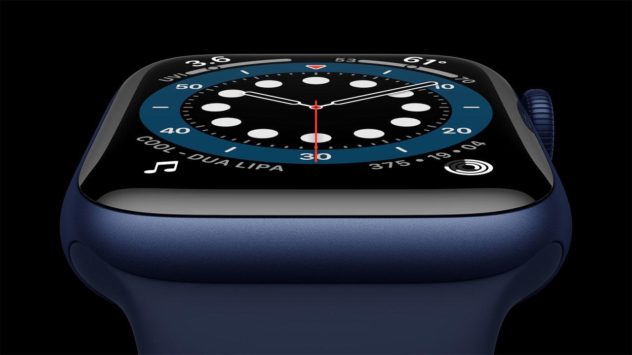 Apple Watch Series 6  s hliníkovým pouzdrem v modré úpravě