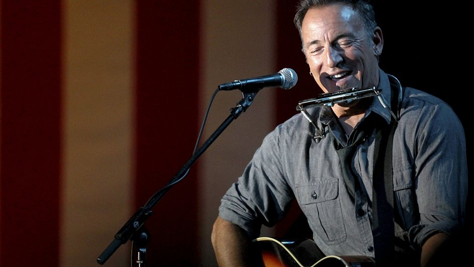 Bruce Springsteen v Ohiu hrál na říjnovém předvolebním mítinku prezidenta Baracka Obamy.