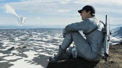 Tom Cruise v Oblivion