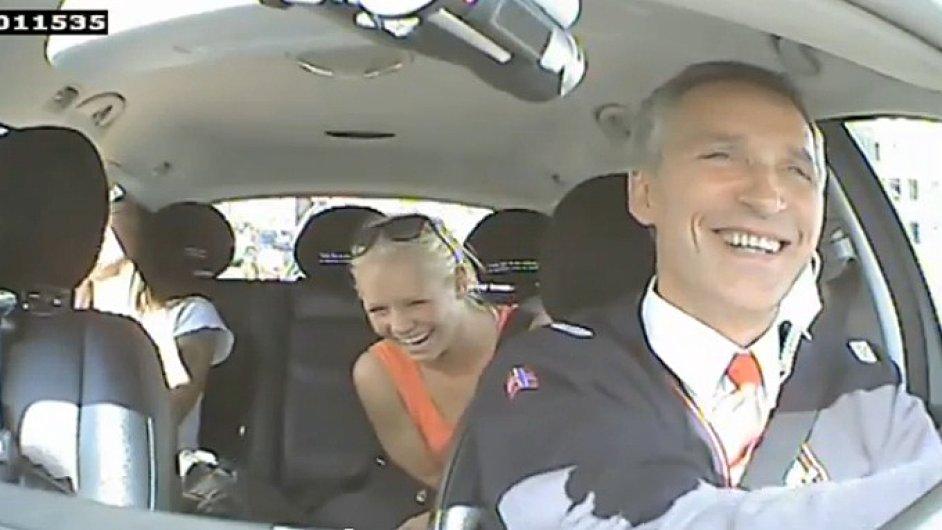 Jens Stoltenberg jako řidič taxíku