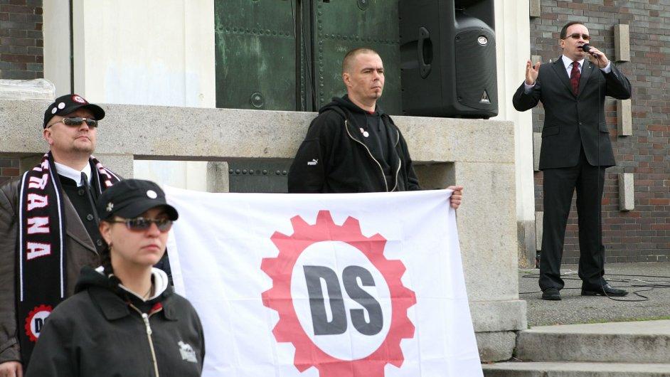 Dělnická strana slaví 1. máje.