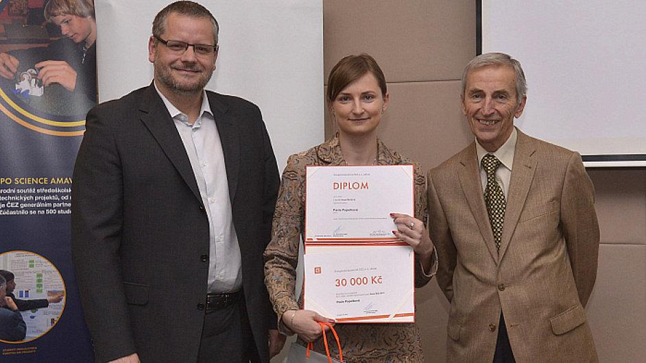 Vítězka Pavla Popelková z ČVUT, Pavel Puff z ČEZ (zleva) a Josef Rosenkranz z ČVUT (zprava)