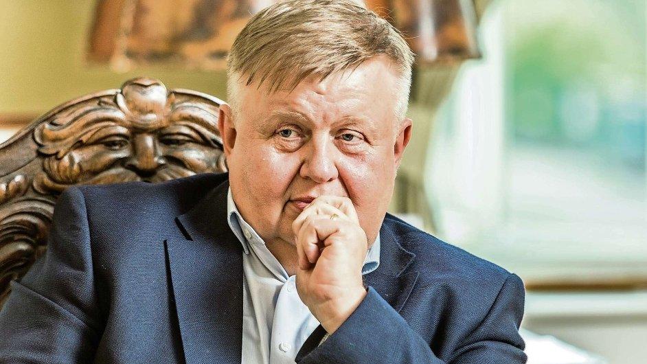 Dle rozhodnutí pražského soudu majitel strojírenského holdingu Vítkovice Jan Světlík nemusí platit Davidu Beranovi 1,69 miliardy korun za akcie.