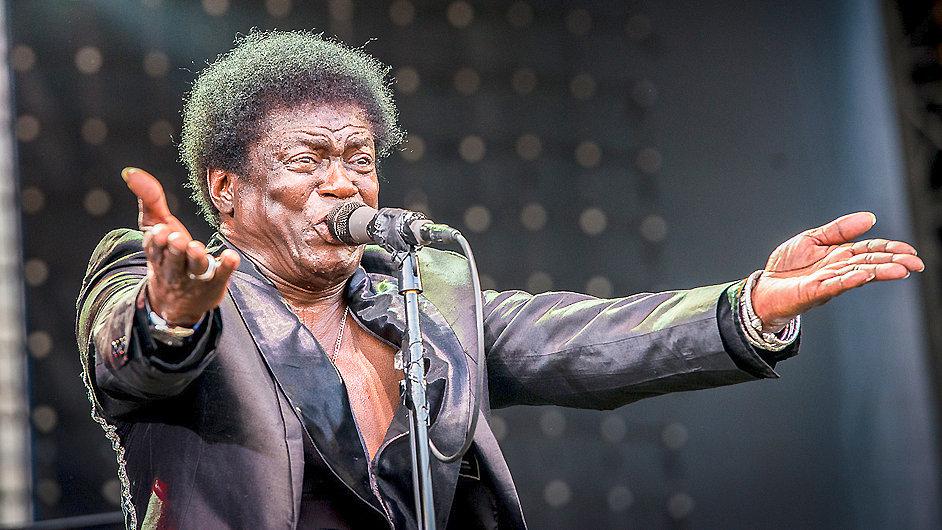 Charles Bradley na festivalu v Ostravě zpíval v pátek večer.