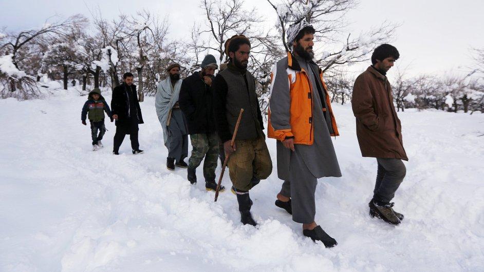 Laviny v Afghánistánu mají už 200 obětí.