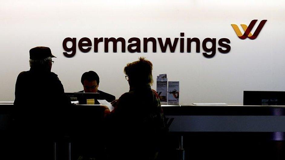 List Wall Street Journal uvedl, že představitelé EU už roky před nedávným neštěstím airbusu v Alpách vyjadřovali obavy nad laxností německé kontroly leteckých společností. (ilustrační foto).