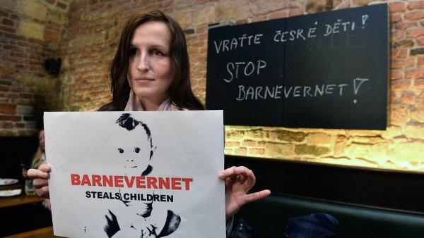 Eva Michal�kov� bojuje proti norsk� soci�ln� slu�b� Barnevernet � ilustra�n� foto.