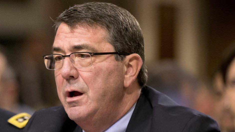 Nový šéf Pentagonu Ashton Carter se v minulosti zabýval především problematikou jaderných zbraní.