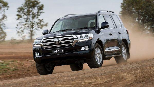 Kr�l pou�t� v nov�m. Toyota omladila slavn� Land Cruiser