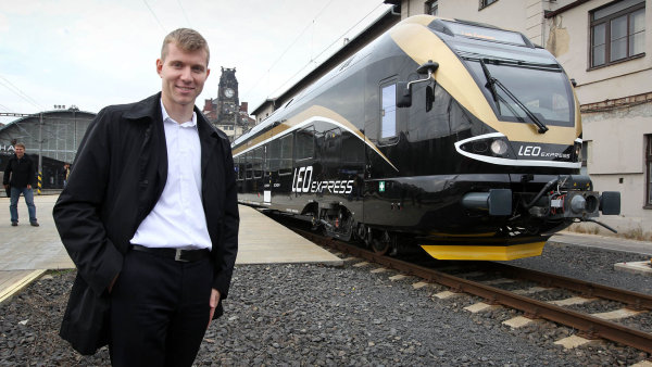 """Za první pololetí prodělaly černé vlaky Leoše Novotného """"jen"""" 38 milionů korun."""