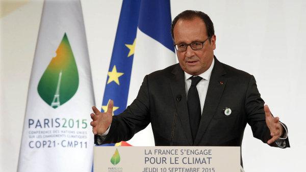 Ofenziva proti Islámskému státu se zintenzivní, říká Hollande.