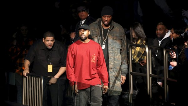 Sn�mek z p�edstaven� nov�ho alba Kanyeho Westa v Madison Square Garden.