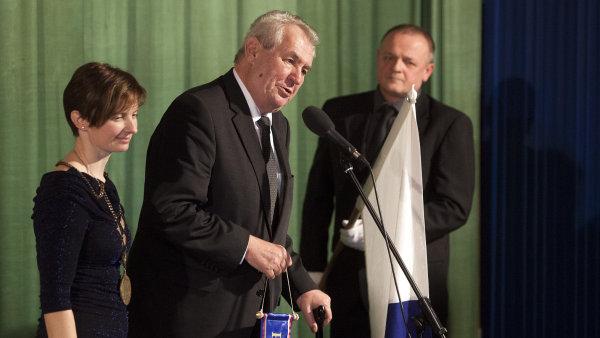 Milo� Zeman na n�v�t�v� v Libereck�m kraji.