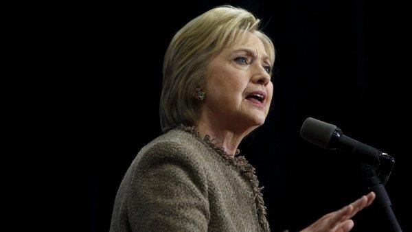 Hillary Clintonov� se v Severn� Karol�n� se�la s p��znivci.