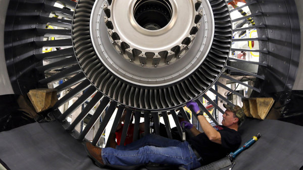 Americká firma GE Aviation chce v Česku do čtyř let vyrábět až 400 leteckých motorů ročně.