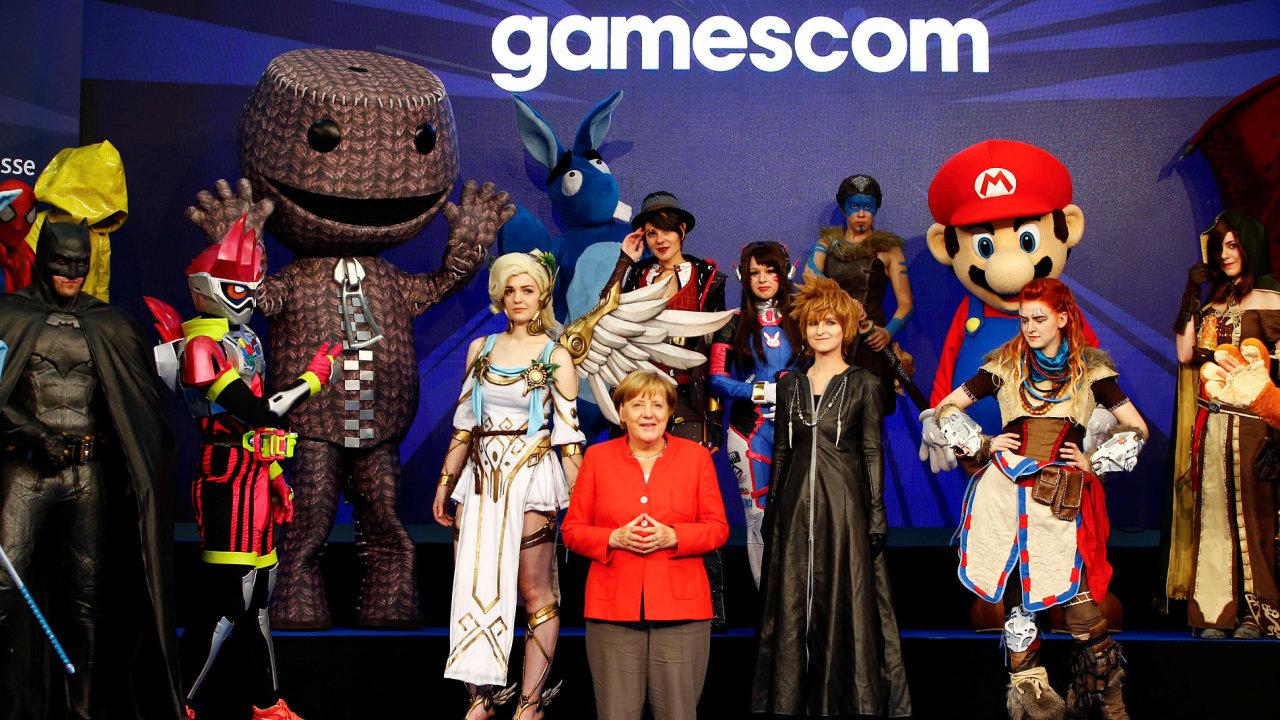 Herní veletrh Gamescom, kde uspěli také čeští vývojáři z Warhorse Studios, zahájila německá kancléřka Angela Merkel.