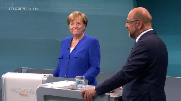 V jediné předvolební debatě se střetla současná kancléřka Angela Merkelová se sociálním demokratem Martinem Schulzem.