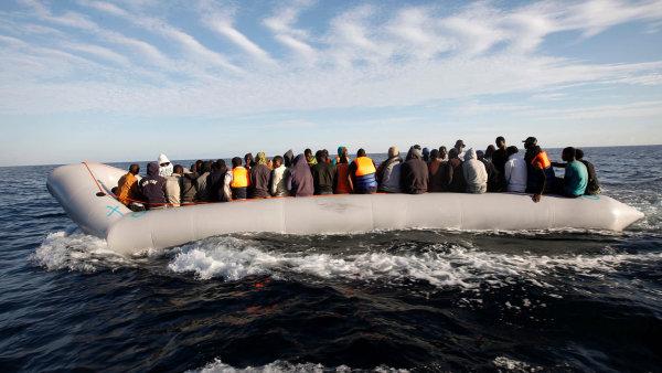 Francie chce přijímat uprchlíky z Blízkého východu a Afriky, aby snížila počet lidí, kteří se vydávají na nebezpečnou cestu přes Středozemní moře do Evropy - Ilustrační foto.