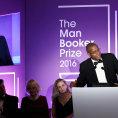 Česky vyšel Beattyho román vyznamenaný Bookerovou cenou. Hrdina v dnešním světě šeptá o rasismu