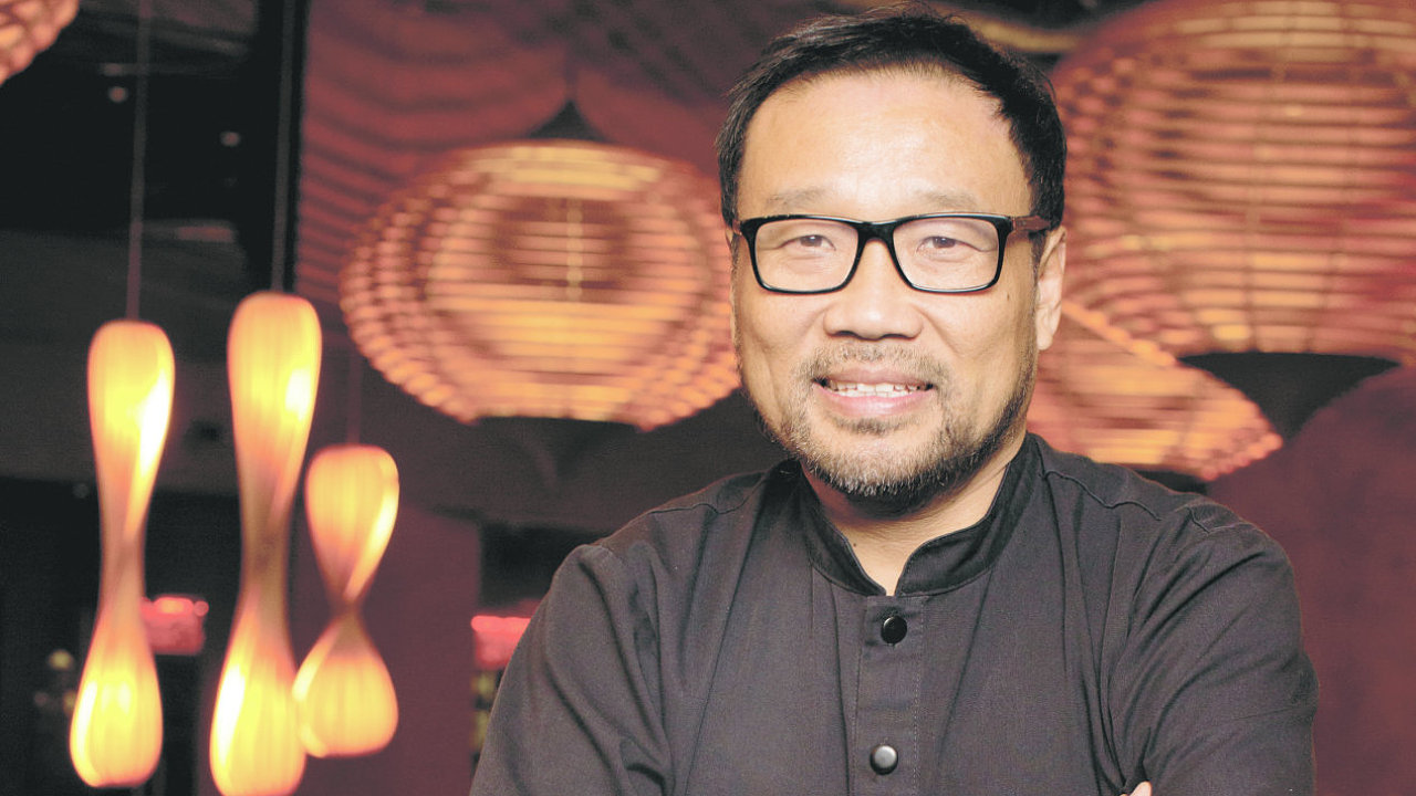 Šéfkuchař SaSaZu Andy Tan žije v Praze přibližně dva roky, o návratu do Indonésie zatím neuvažuje.