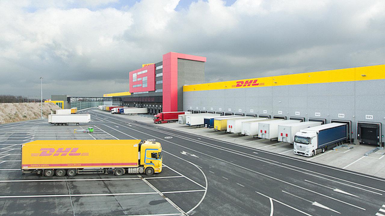 Logistické centrum u bruselského letiště patří k pěti největším skladům DHL na světě