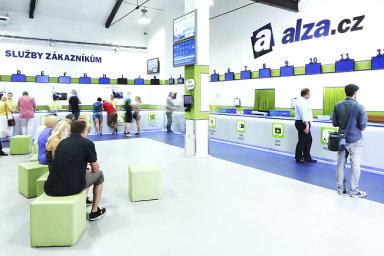 Alza.cz během prodejně nejsilnějšího dne, jímž byl 17. prosinec, dosáhla obratu 240 milionů korun a vyřídila 108 648 objednávek.