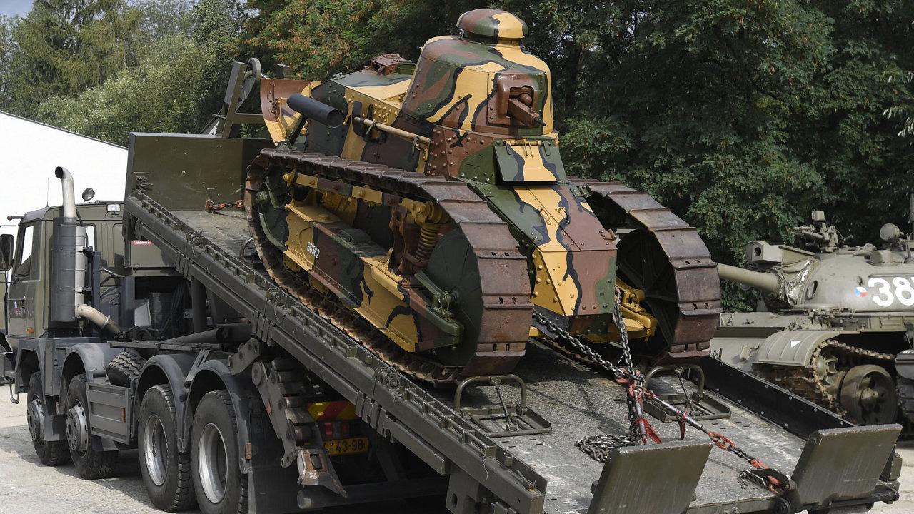 Do ČR dorazil první československý tank, k vidění bude v Lešanech.
