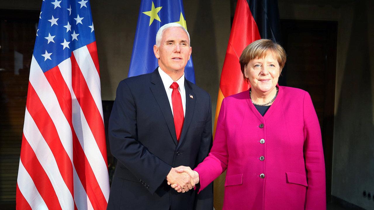 Americký viceprezident Mike Pence a německá kancléřka Angela Merkelová.
