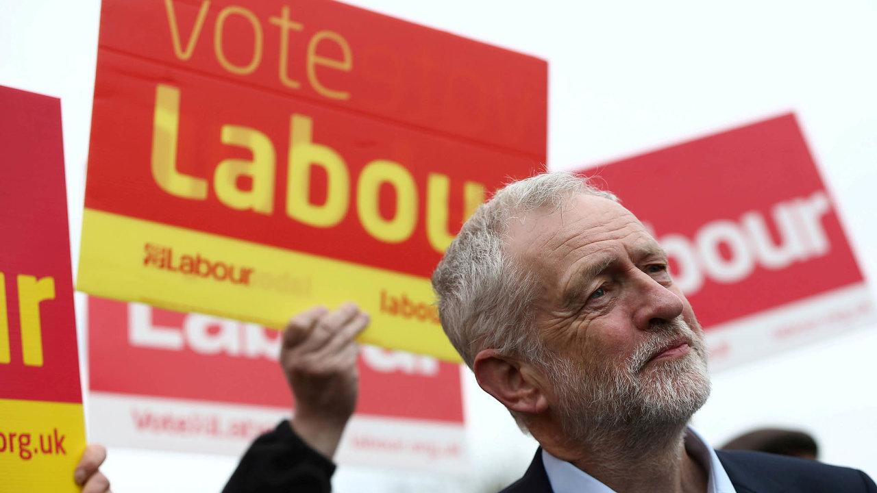 Šéf labouristů Jeremy Corbyn chce, aby Britové ovystoupení hlasovali vnovém referendu.