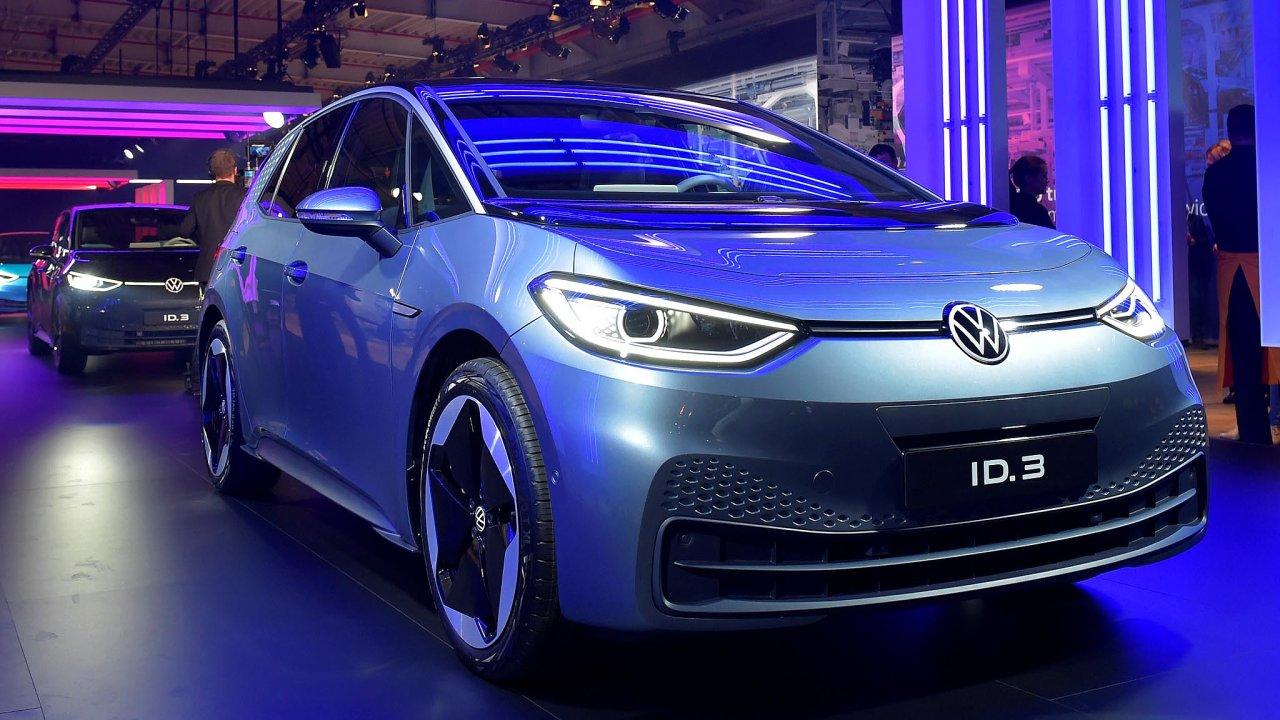 Volkswagen letos spustil výrobu prvního plně elektrického vozu ID.3. Chce, aby šlo oprvní masově prodávaný elektromobil.