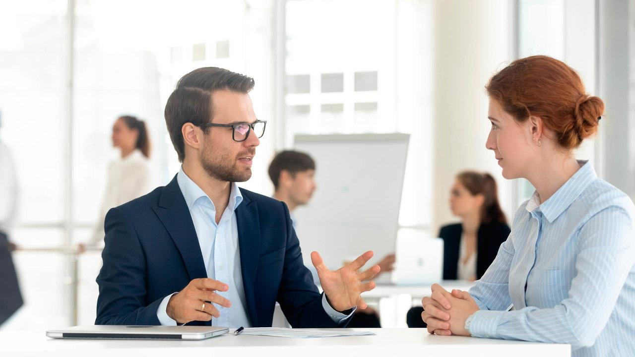 Hlavní je spokojený zákazník. Banky i firmy se snaží daleko víc věnovat zákaznické zkušenosti, tedy hodnocením klienta.