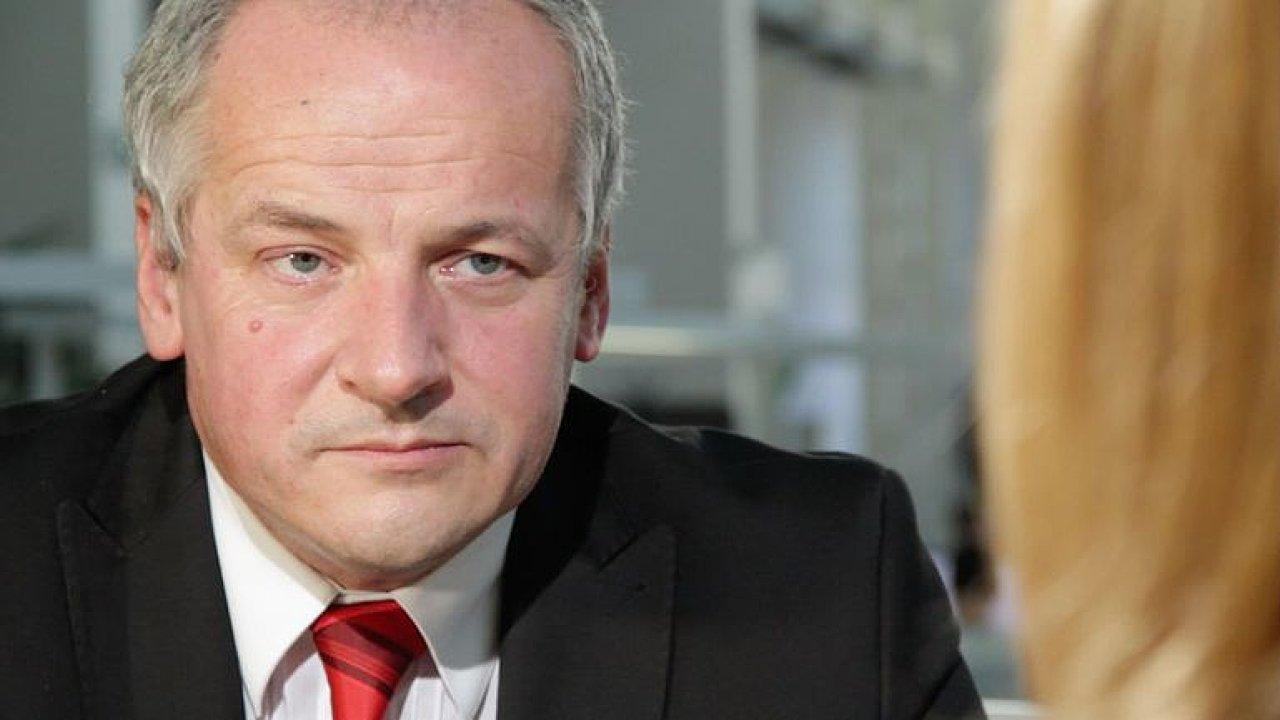 Živě: Roman Prymula hostem DVTV. Přijme řád od Zemana? A kdy skončí vládní omezení?