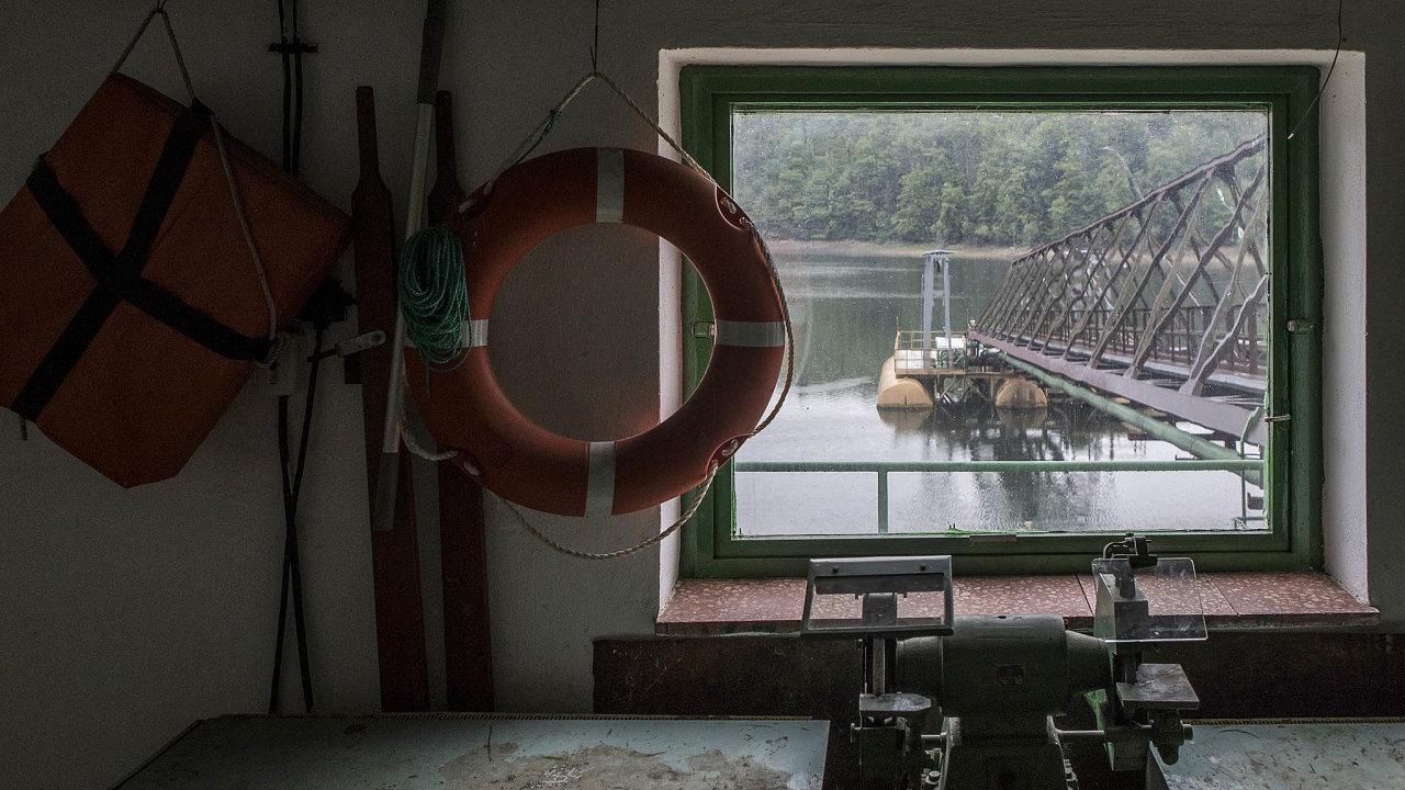 Unikátní Vranov. Ojedinělý typ pontonu čerpá vodu pro celé Třebíčsko adukovanskou jadernou elektrárnu.
