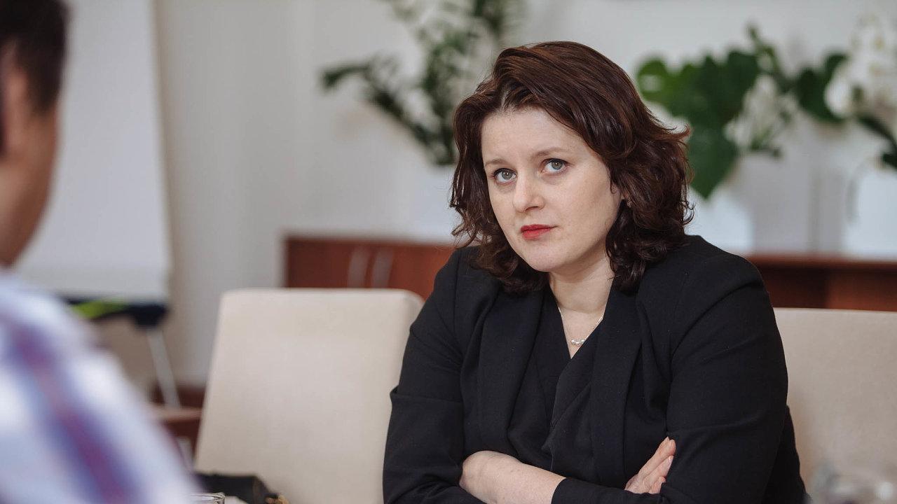Návrh zákona onáhradním výživném přinesla najednání kabinetu ministryně práce a sociálních věcí Jana Maláčová (ČSSD).