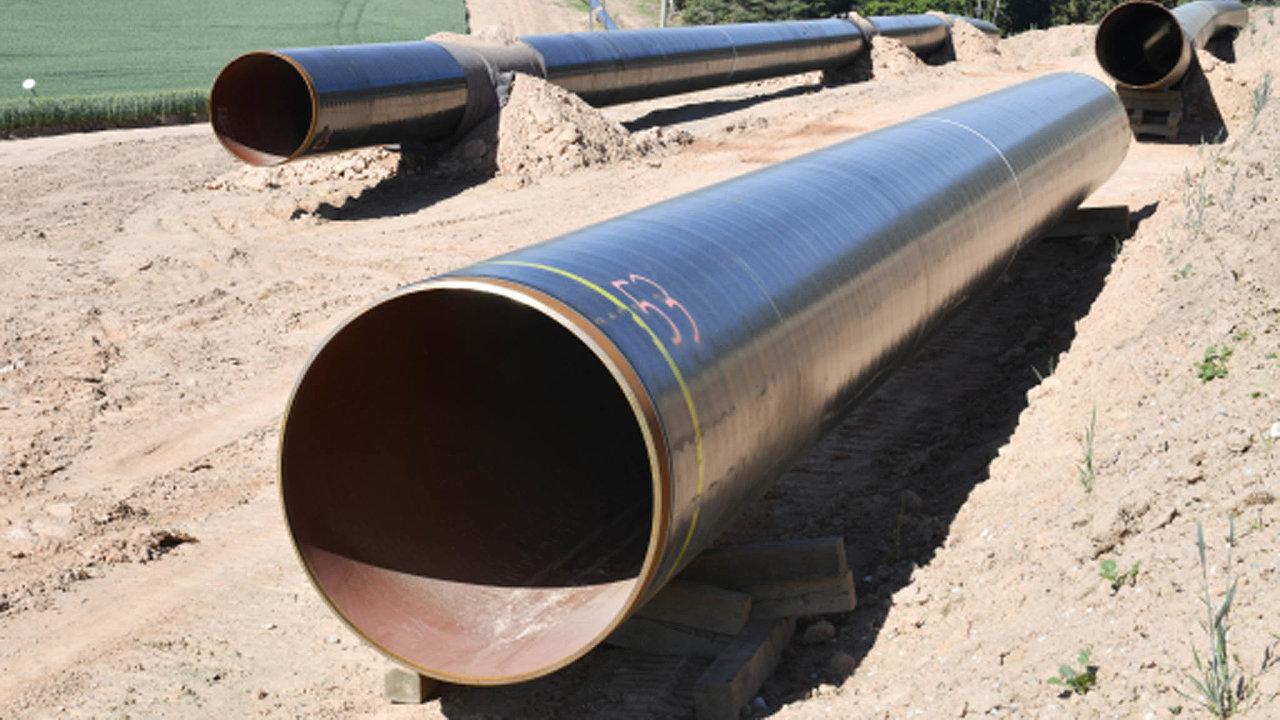 Jediným plynovodem, který se nyní staví v Česku, je 152 kilometrů dlouhý Capacity4Gas. Na začátku července trubky pokládali u Mladotic nedaleko Plzně.