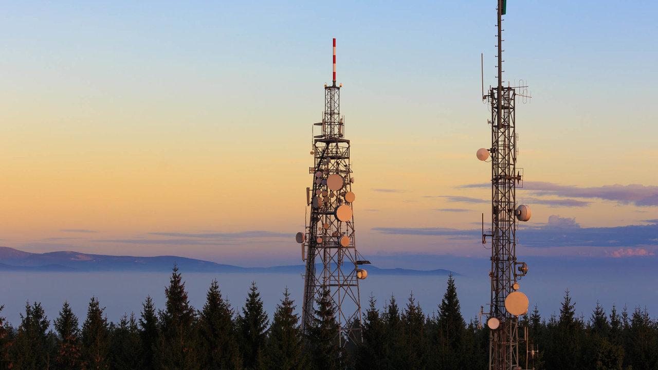 Nedávná studie dánské konzultační firmy Strand ukázala, že Česko patří mezi evropské země snejvětším podílem čínských výrobků vestanicích přenášejících signál nyní nejmodernější 4G sítě. Komponenty Huaweie vnich tvoří 84 procent.