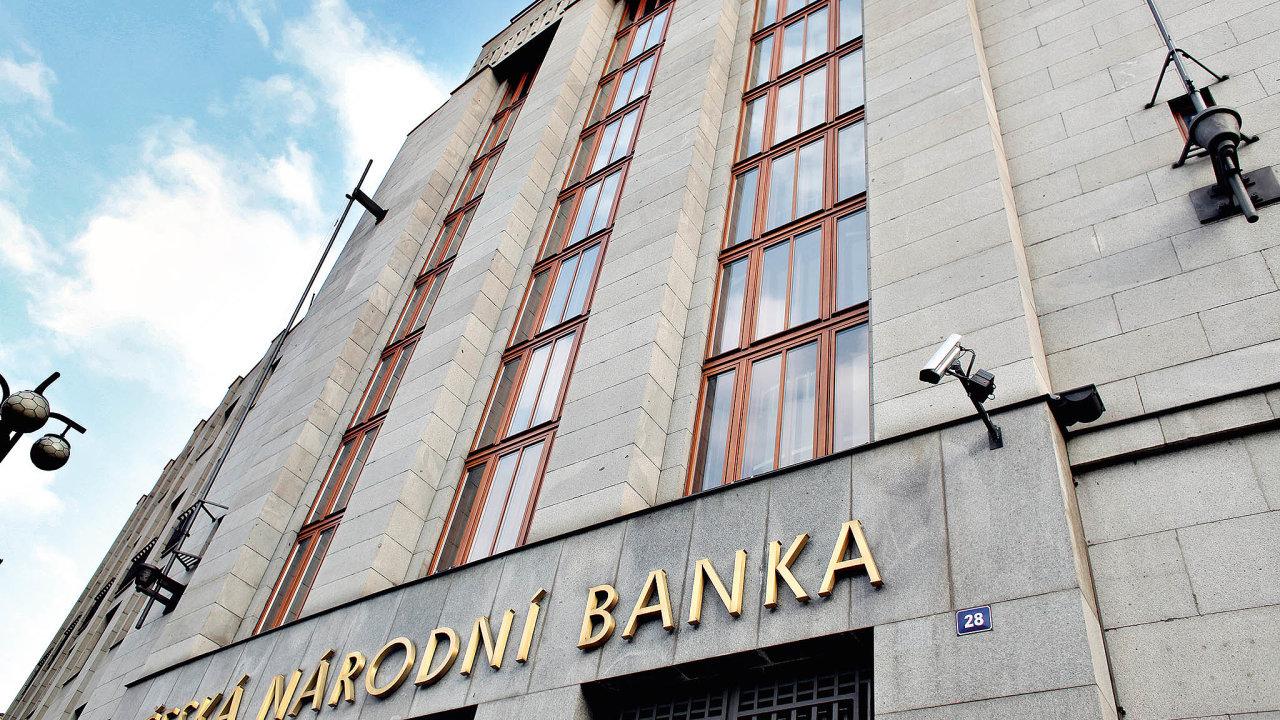 Banky podle ČNB očekávají pokračující růst poptávky po krátkodobém provozním financování podniků a snížení poptávky po úvěrech u domácností