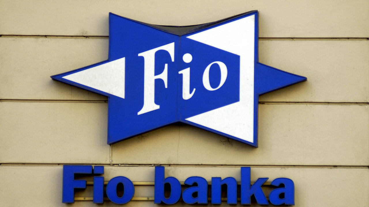 Z dotačního podvodu jsou obvinění lidé s vazbami na holding Fio