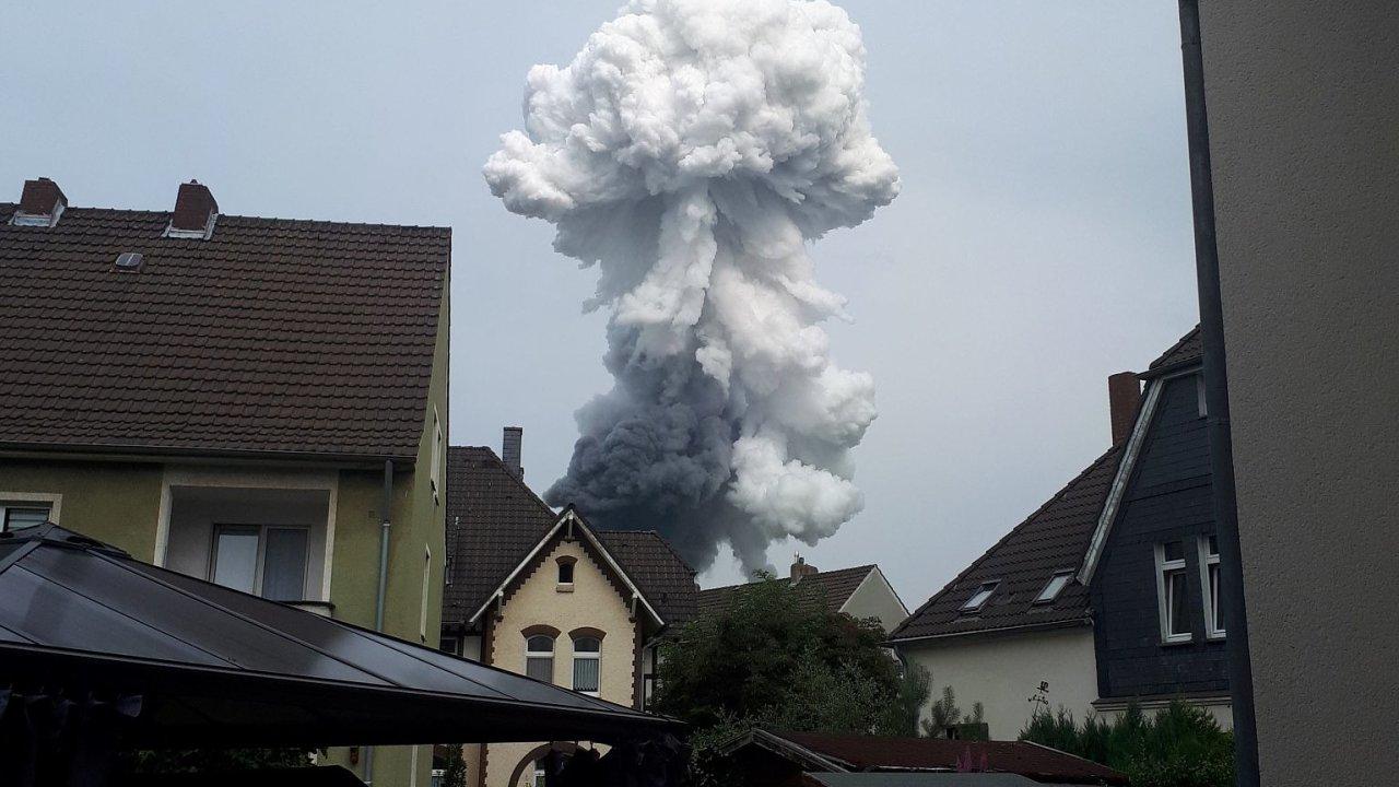 Exploze v průmyslovém parku u Leverkusenu.